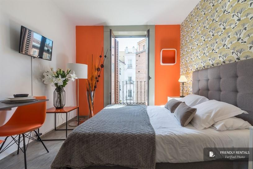 Het Santa Ana boutique I Appartement in Madrid