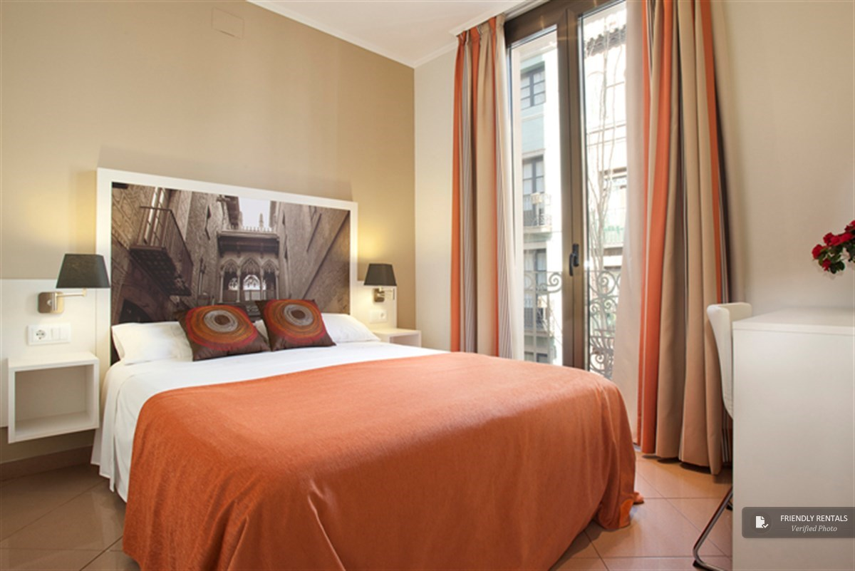 The Gothic 33 Apartment in Barcelona