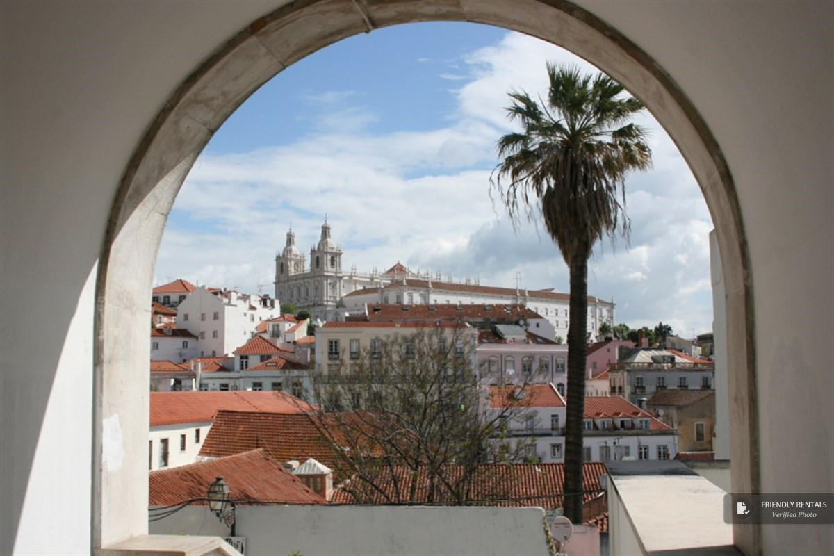 The Portas do Sol Apartment in Lisbon