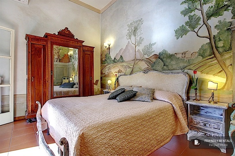 The Oriani Apartment in Florence