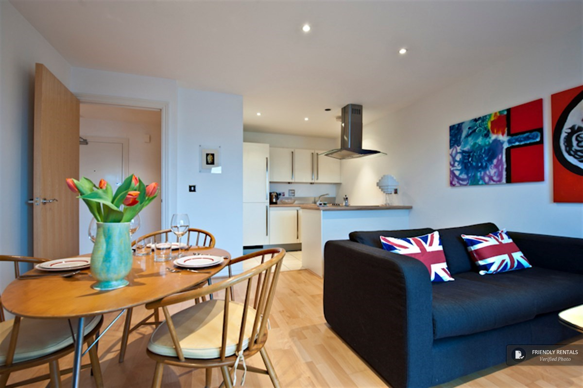 The Canal View Apartment in London