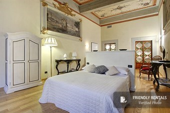 The Artemis VII Apartment in Florence