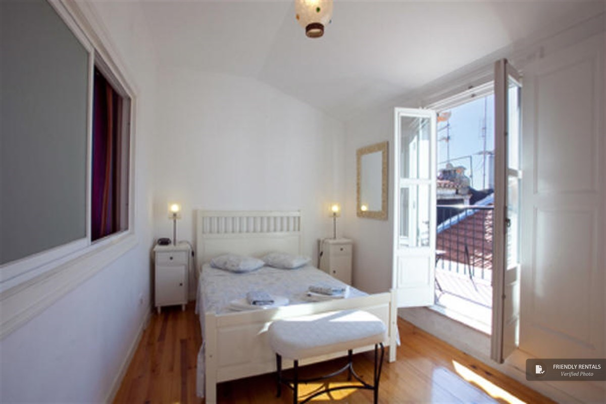 The Regueira 2 Apartment in Lisbon