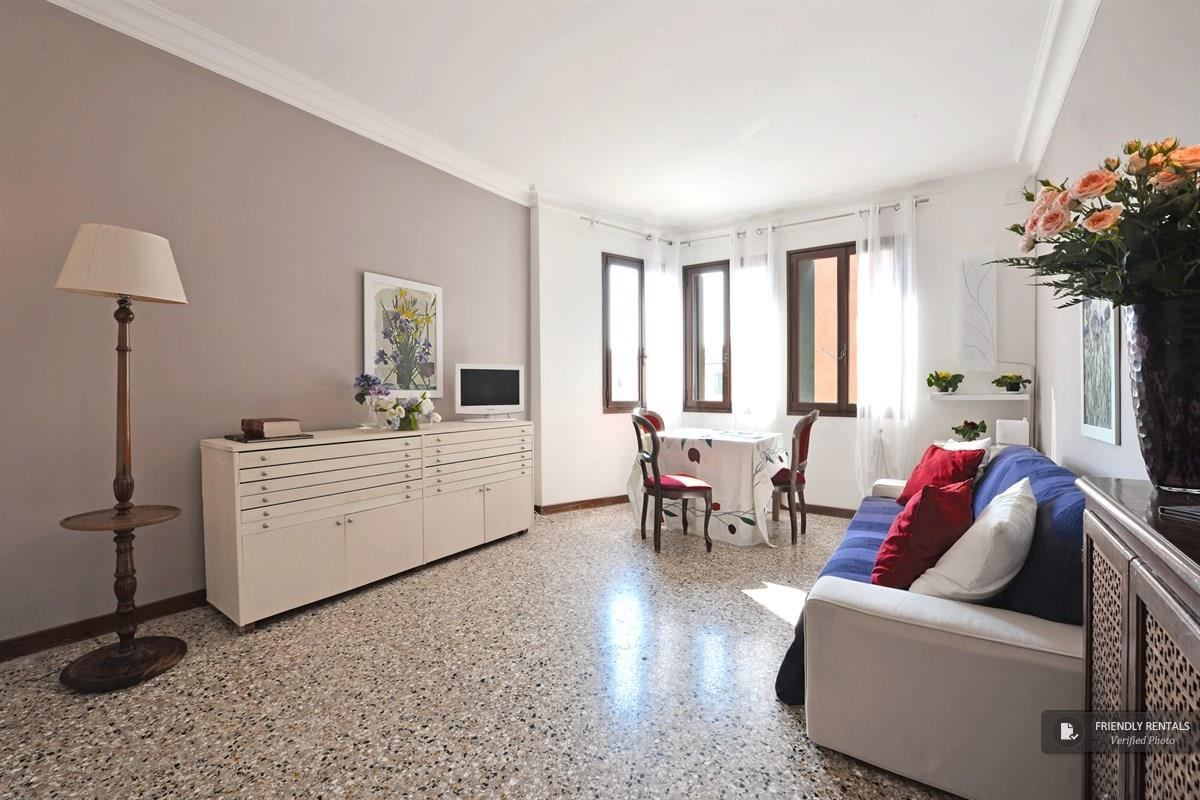The Fenice Apartment in Venice