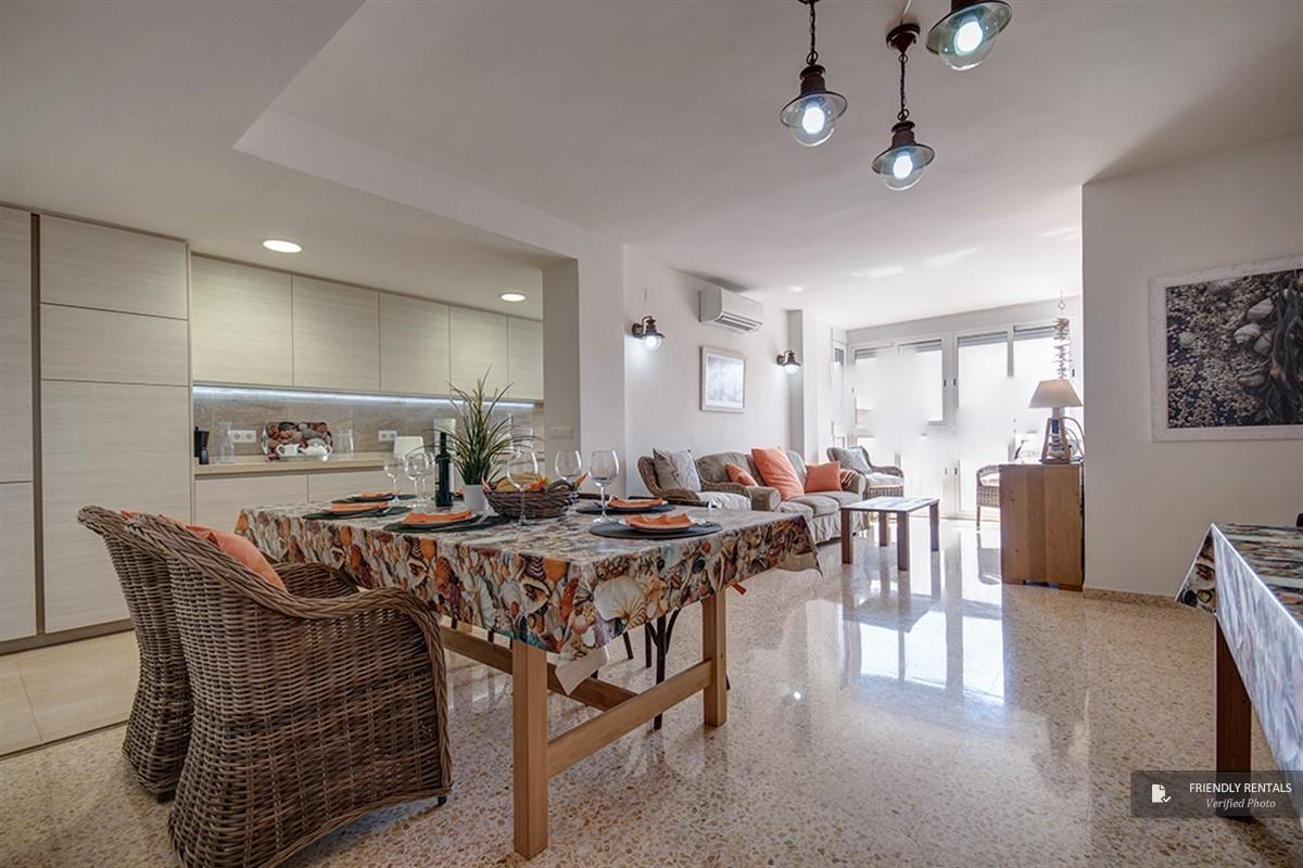 Das Enesco Beach Appartement in Valencia
