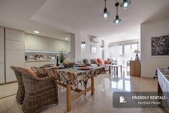 The Enesco Beach Apartment in Valencia