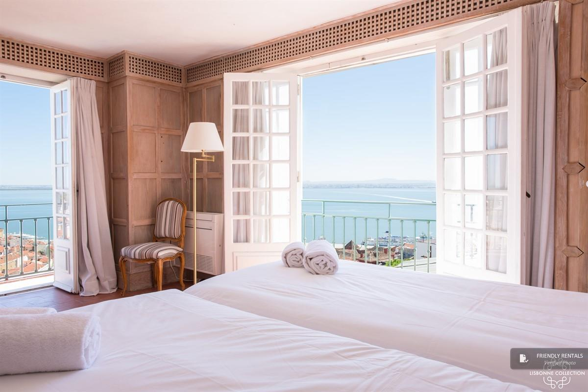 The Penthouse do Castelo Apartment in Lisbon
