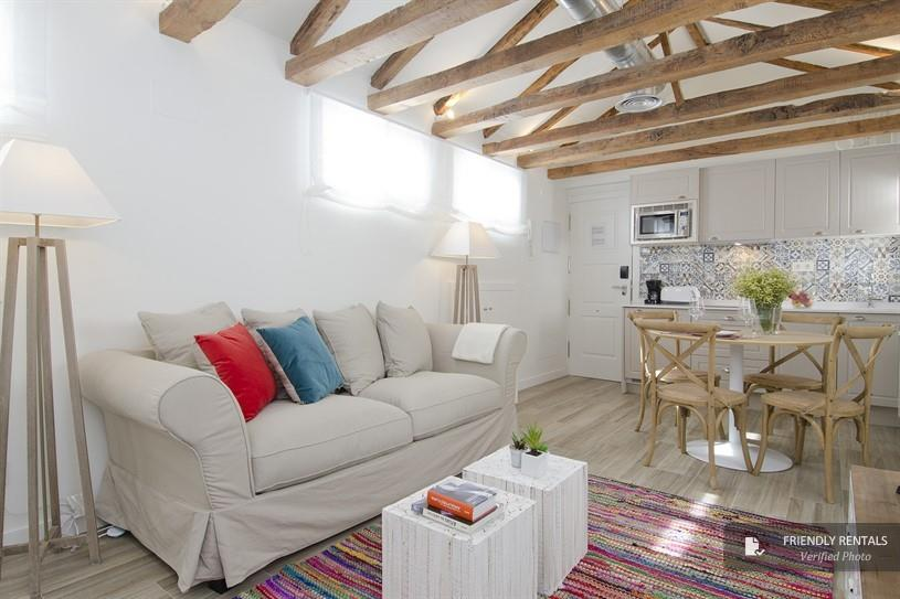 Het appartement Nomad Rastro Attic in Madrid