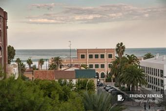 The Montaner Beach Apartment in Valencia
