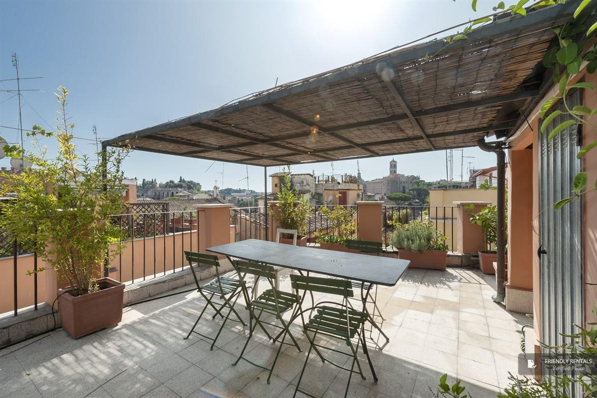The Traiano Apartment in Rome